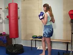 Babe boxer toys her needy pussy on the amateur video