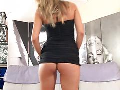 Tall glamorous model plays with her pussy hole on a sofa
